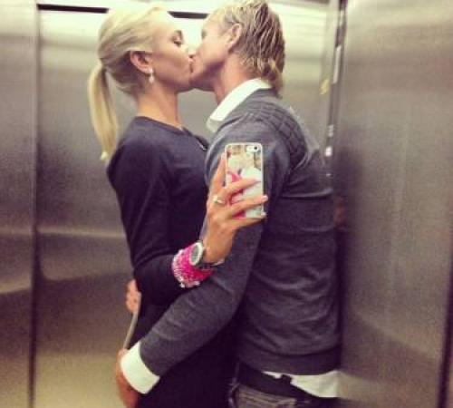 картинки как пары целуются